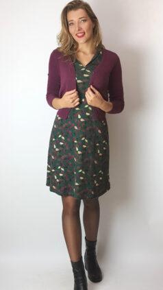 whos-that-girl-jurk-cold-groen-vest-elisa-aubergine