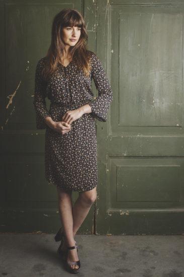 LE-PEP-jurk-Fenne-zwart-model