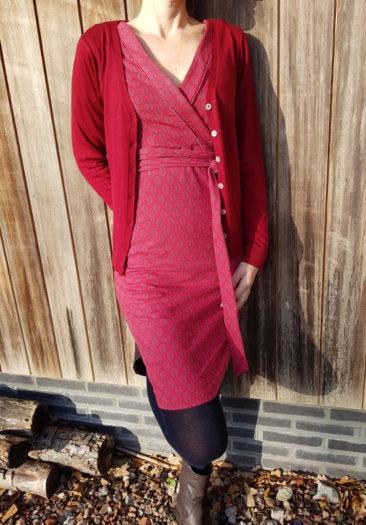 TRANQUILLO-jurk-Merle-ZILCH-bamboe-vestje-lipstick-rood