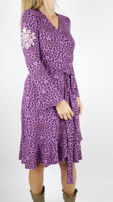 Tante-Betsy-jurk-Wrap-leopard-paarsatie-ks