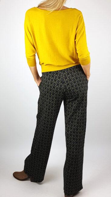 -ich-jane-broek-leonie-art-deco-froy-&-dind-shirt-valerie-okergeel-achterkant
