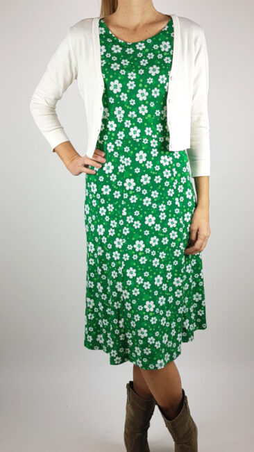 cissi-och-selma-jurk-hedvig-vär-zilch-kort-bamboe-vestje-offwhite