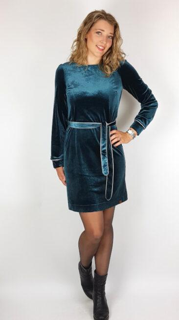 mooi-vrolijk-jurk-chic-blue-steam-velvet