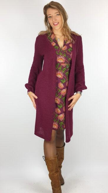 bakery-ladies-jurk-wrap-sandy-dark-violet-tante-betsy-lang-vest-fluffy-berry