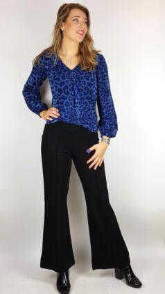 tante-betsy-pantalon-ultra-wide-black-top-shahira-leo-blue