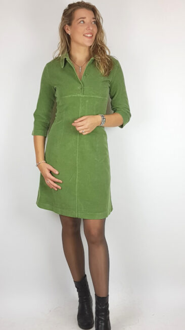 whos-that-girl-jurk-emma-corduroy-groen