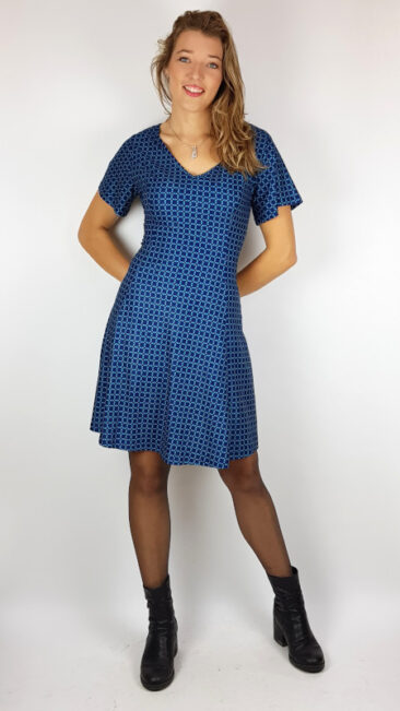 vintage-sale-jurk-graphic-eyes-blue